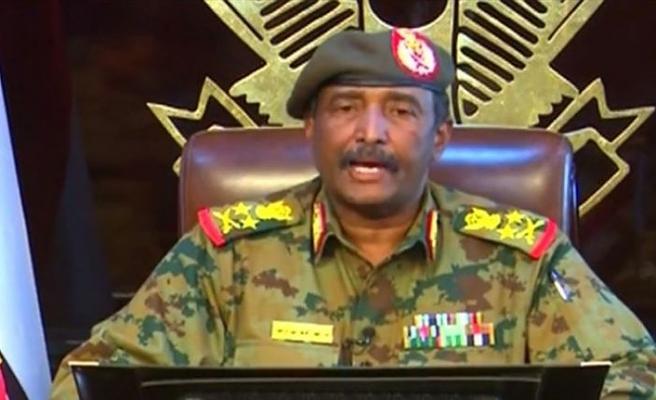 Sudan Askeri Konseyi Başkanı'na Suudi Arabistan'dan zirve daveti