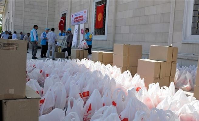 Türkiye'den Kırgızistan'da ihtiyaç sahiplerine gıda yardımı