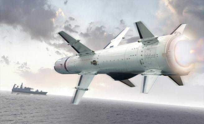 Türkiye'nin ilk deniz füzesi Atmaca, göreve hazır