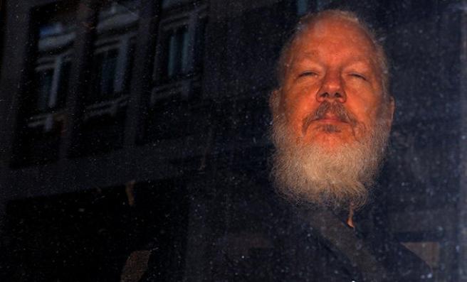 Wikileaks kurucusunun eşyaları ABD'ye verilecek