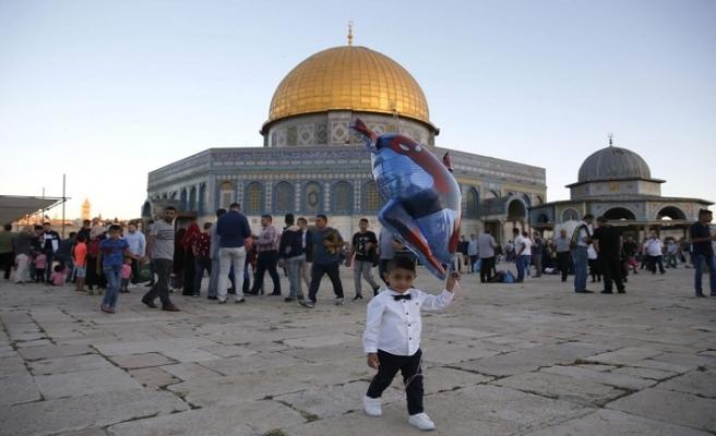 120 bin Müslüman bayram namazını Mescid-i Aksa'da kıldı