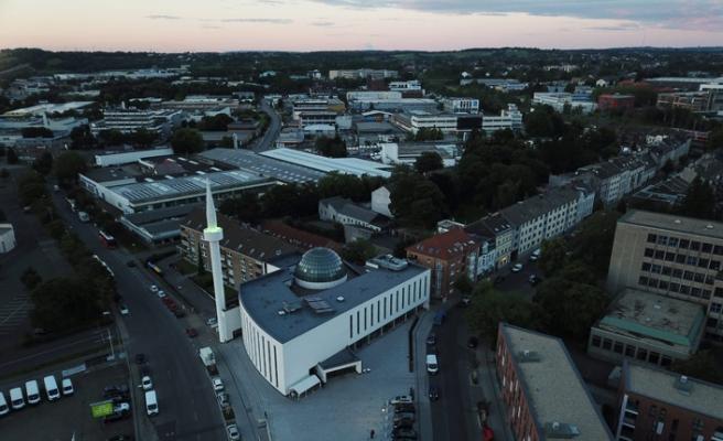 Almanya'da Cami Meydanı açılışı oldu