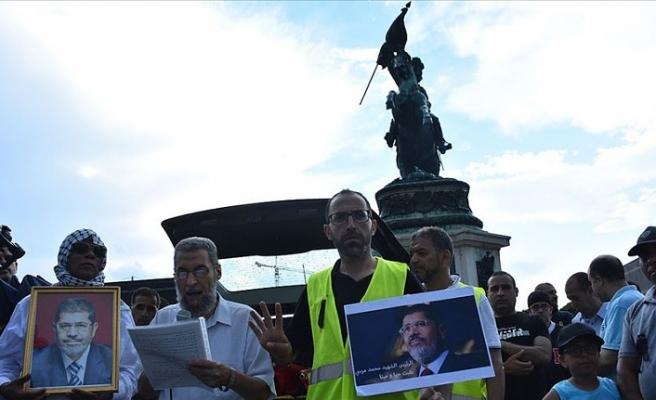 Avusturya'da Mursi için gösteri