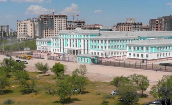 Bişkek'te Gazprom tarafından yaptırılan okul açıldı