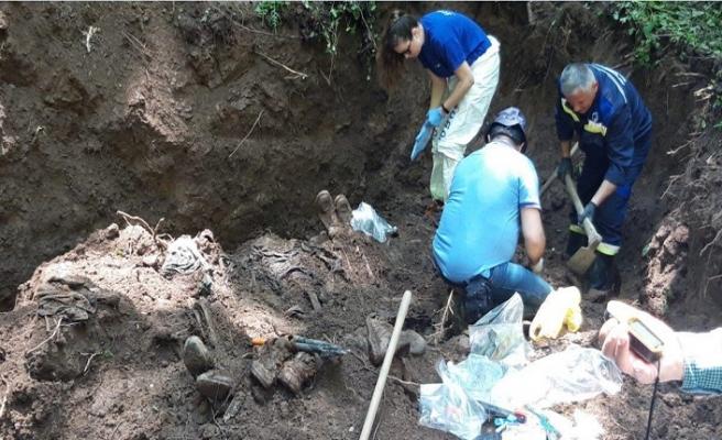 Bosna Hersek İgman Dağı'ndaki toplu mezarda 8 kurbanın cesedine ulaşıldı