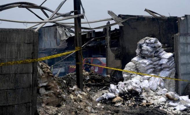 Endonezya'da yangın: 30 ölü