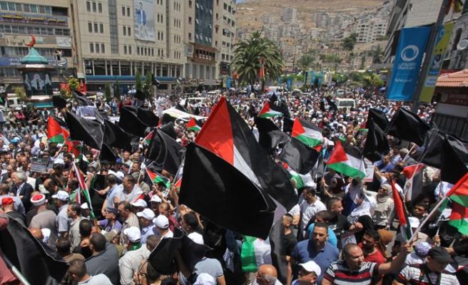 Filistinliler Bahreyn'deki Yüzyılın Anlaşması Çalıştayı protesto etti