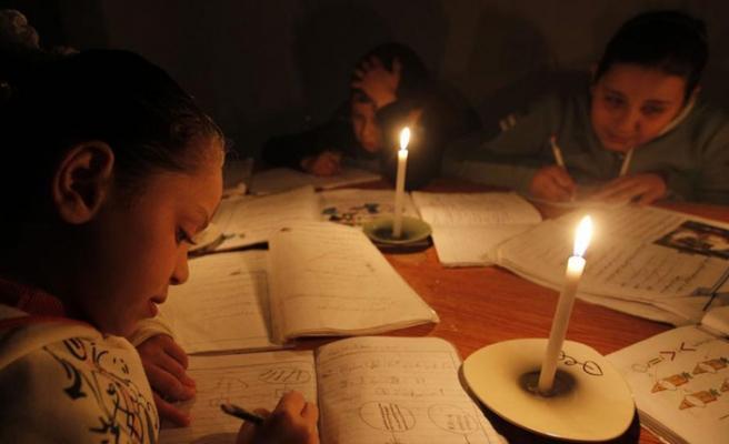 Gazze'deki elektrik santrali için akaryakıt sevkıyatı durduruldu