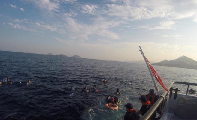 Göçmen teknesi battı