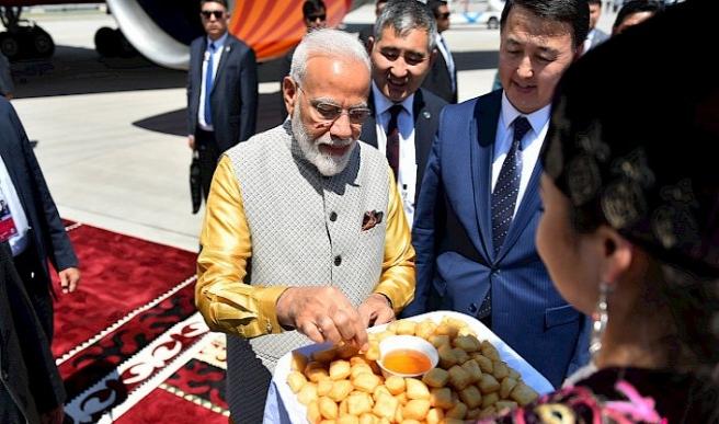 Hindistan Başbakanı Modi Kırgızistan'da