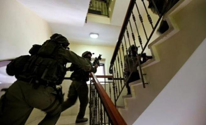 İsrail askeri iddia üzerine Filistinlileri gözaltına aldı