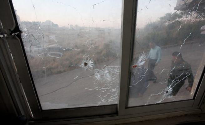 İsrail askeri kışkırtıyor, Filistin güvenlik merkezine ateş açtı
