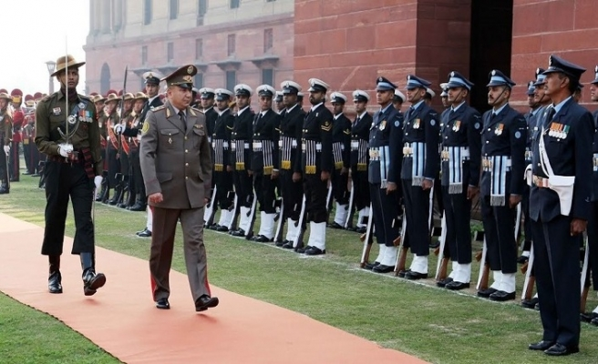 Kırgızistan 100 milyon dolara Hindistan'dan hangi silahları almak istiyor?