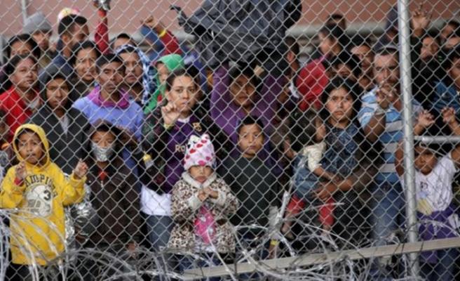 Meksika Ulusal Muhafızları göçmenler için sınırda