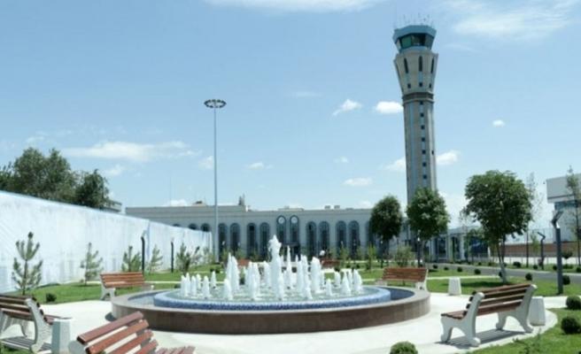 Özbekistan'ın üç havalimanı, uzun süreliğine Rus holdingin yönetimine devredilecek