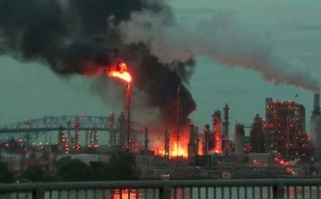 Pensilvanya'nın 150 yaşındaki rafinerisinde büyük patlama
