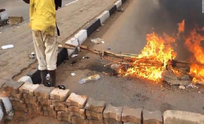 Sudan ordusu protestoculara ateş açtı, en az 5 ölü