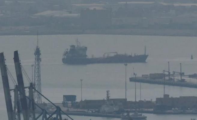 Türkiye'den çıkan nakliye gemisine, İsrail deniz kuvvetlerinden ateş açıldı