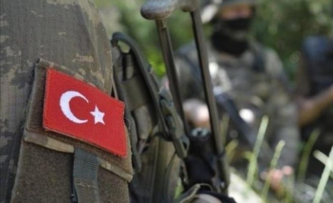 Hakkâri'de askeri araca saldırı:  2 asker şehit oldu, 1 asker ise yaralandı