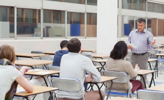 MEB'ten özel okul uyarısı: Sözleşmeyi satır satır okuyun