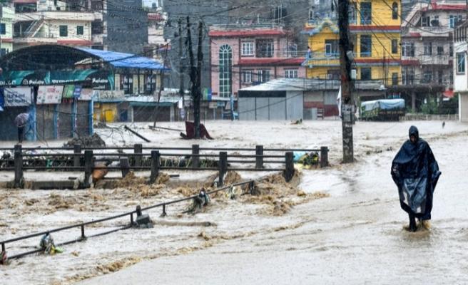Nepal'de  toprak kaymasında 21 ölü