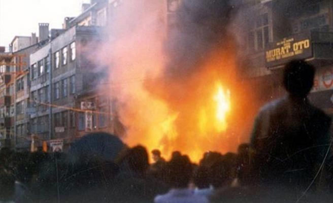 Tarihte Bugün (2 Temmuz): Sivas'ta Madımak Oteli yakıldı