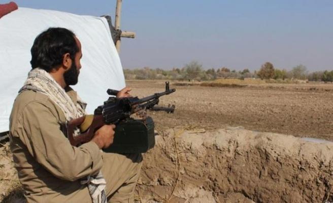 Afganistan'da korucu karakoluna saldırı: 14 ölü