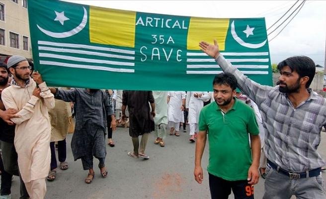 Cammu Keşmir'de cuma namazı çıkışı protesto gösterisi