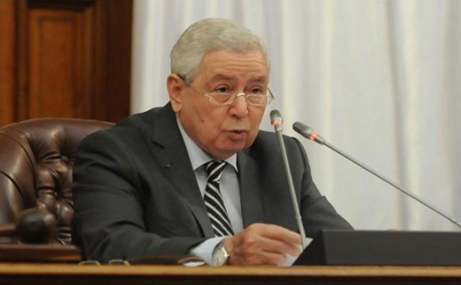 Cezayir'de geçici cumhurbaşkanından ulusal diyaloga destek çağrısı