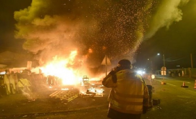 Fransa'da Sarı Yelekliler'e şiddet sonrası 313 polis hakkında soruşturma başlatıldı