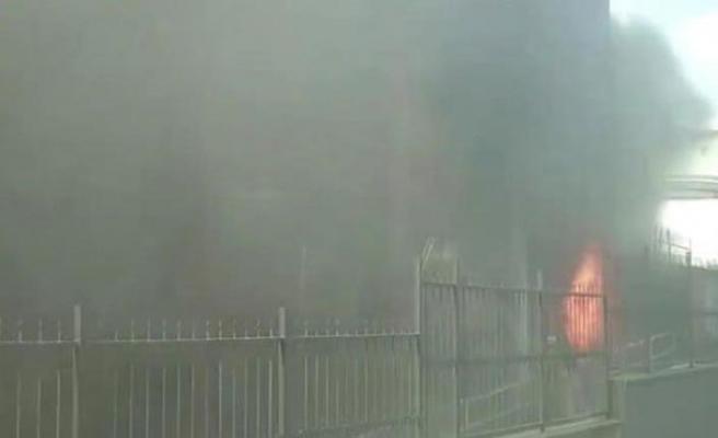Gaziosmanpaşa'da özel hastaneden duman nedeniyle tahliye