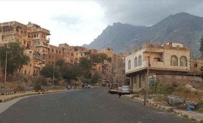 Güney Geçiş Konseyi Aden'de ele geçirdiği yerlerden çekiliyor