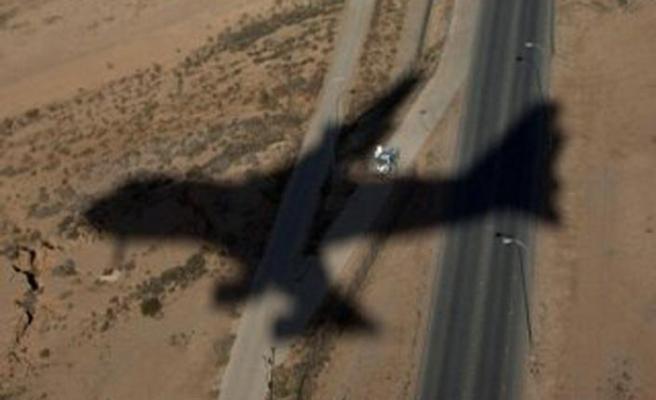 Husilerden Suudi Arabistan hava üssünün vurulduğu iddiası