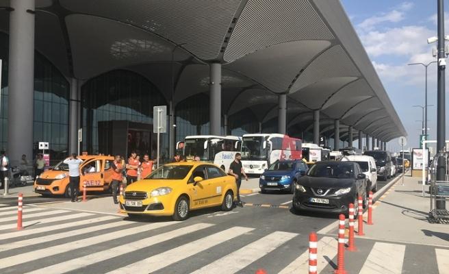 İstanbul Havalimanı'nda şüpheli paket patlatıldı