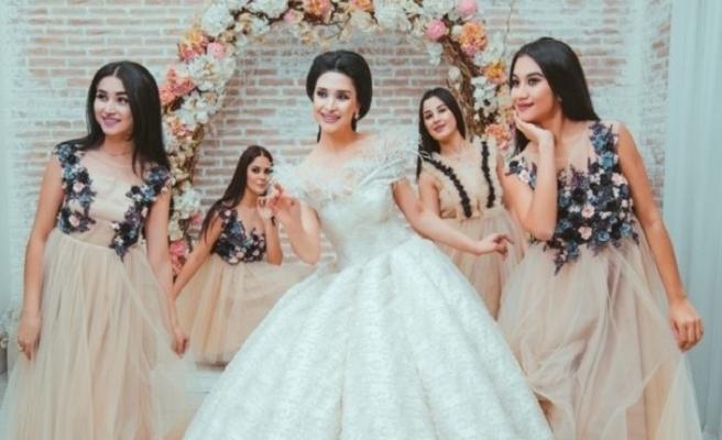 Özbekistan'da kızların evlenme yaşı değiştiriliyor