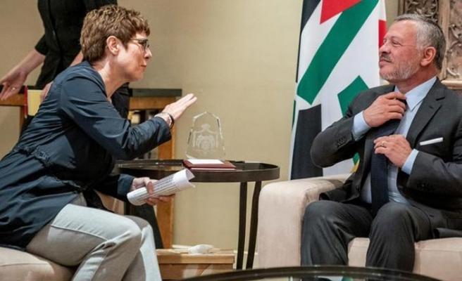 Ürdün Kralı, Almanya Savunma Bakanıyla stratejik ortaklığı görüştü