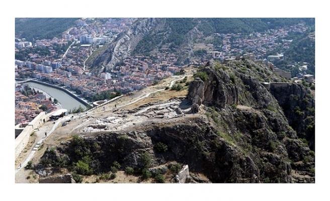 700 yıllık cami ve sokak kalıntıları bulundu