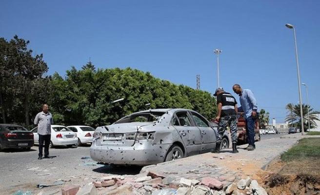 Savaş suçlusu Hafter'i destekleyen BAE'ye ait İHA, Uluslararası Mitiga Havalimanı'na saldırdı
