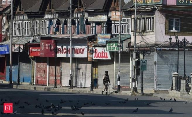 Cammu Keşmir'de olmayan telefon hizmetlerine fatura kesildi
