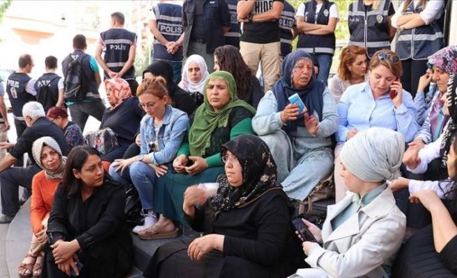 Evlat nöbeti devam ediyor: 31 aileye yükseldi