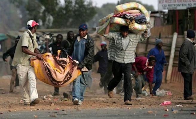 Güney Afrika'da yabancılara şiddet, yağma.. 5 kişi öldü