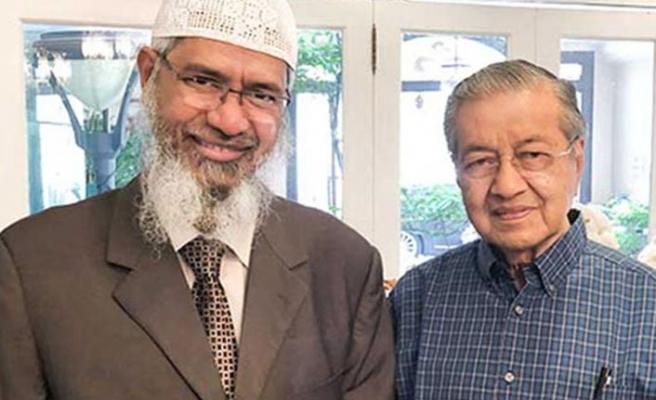 Malezya'ya sığınan Hintli Müslüman vaiz Dr. Zakir Naik için tutuklama emri iddiası