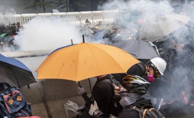 Hong Kong'da tansiyon düşmüyor
