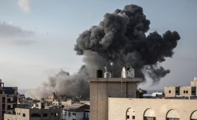 İşgalci İsrail'den Gazze'ye hava saldırıları