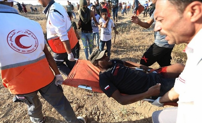İsrail askerleri Gazze sınırında 15'i gerçek mermiyle 30 Filistinliyi yaraladı