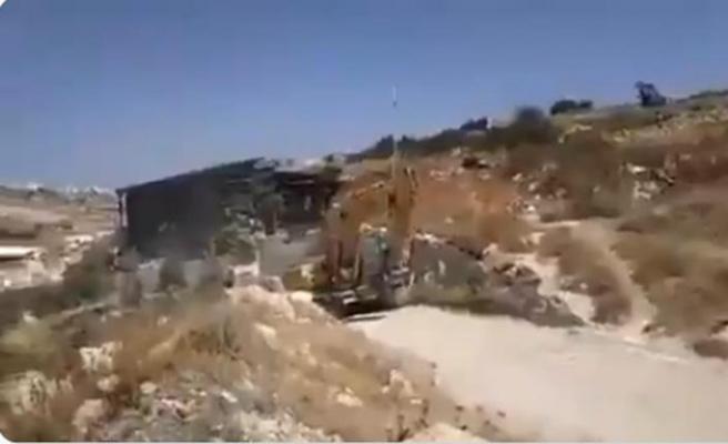 İsrail, Şeria'nın batısında cami inşaatını yıktı