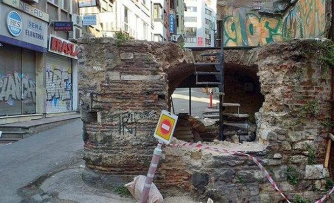 Karaköy'deki 450 yıllık tarihli çeşmenin restorasyonu için adli işlem başlatıldı