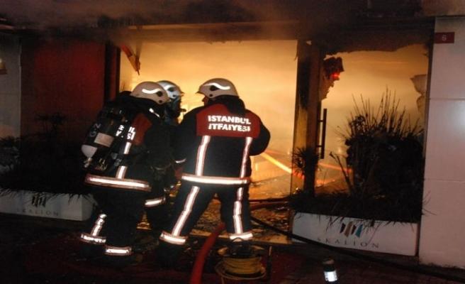 Kumkapı'da bir binada yangın çıktı