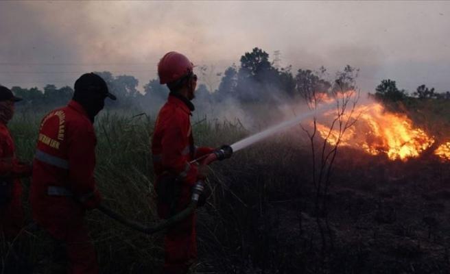 Orman yangınları uçak seferlerini iptal ettirdi