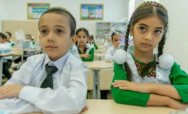 Rusya'da açılan ilk Türkmen okuluna ünlü şair Mahtumkulu Firaki'nin adı verildi